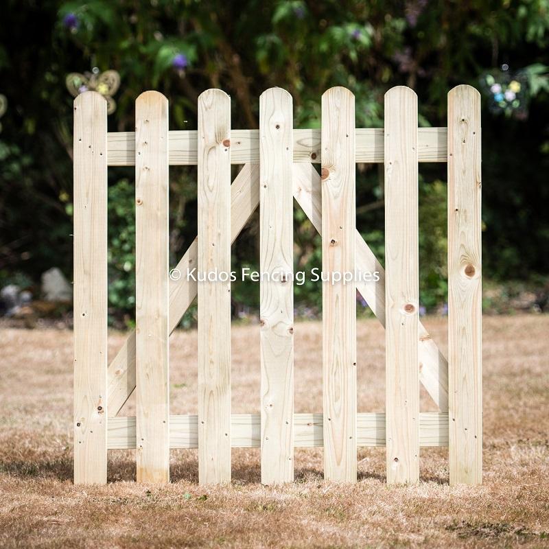 Garden Picket Gates & Furniture Set