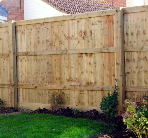 closedboard fence per metre garden fencing