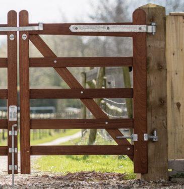 Hardwood 5 bar gates